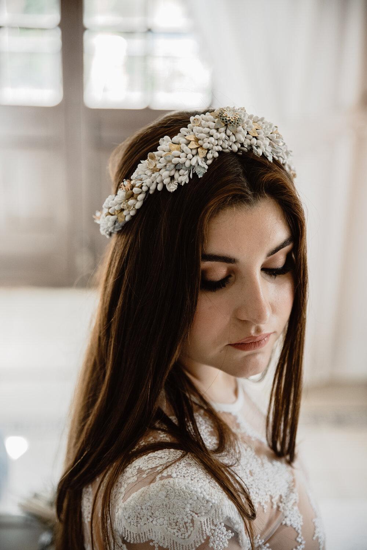 corona flores novia color blanco